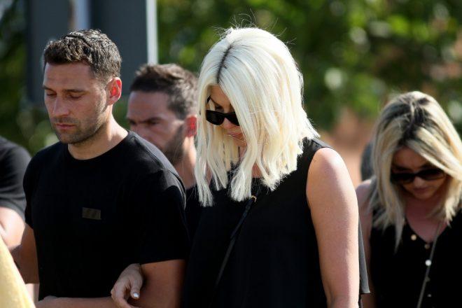 Јелена Карлеуша во солзи, пејачката повторно скршена од тага