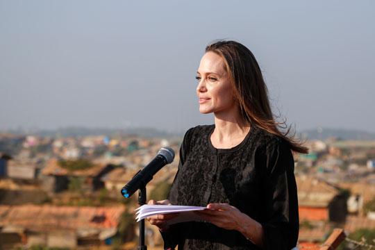 Анџелина Џоли: Да се зголеми бројот на жени во мировните мисии на ОН