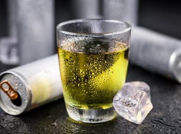 ФОТО: Јазикот буквално му изгорел од овој пијалок- одлучил да го сподели своето искуство на Фејсбук