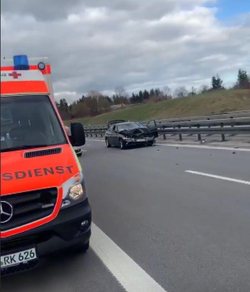 Познатиот пејач пред две години со автомобил удри малолетна девојка- денес син му преживеа страшна несреќа во Германија (ФОТО)