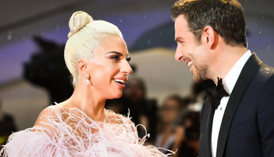 Страста со Купер била само глума: Лејди Гага е во нова врска, но не со Бредли (ФОТО)