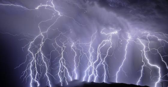 Беснееше силно невреме: Србија синоќа ја погодиле над 15.000 молњи