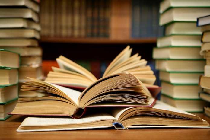 Луѓето кои читаат книги живеат подолго