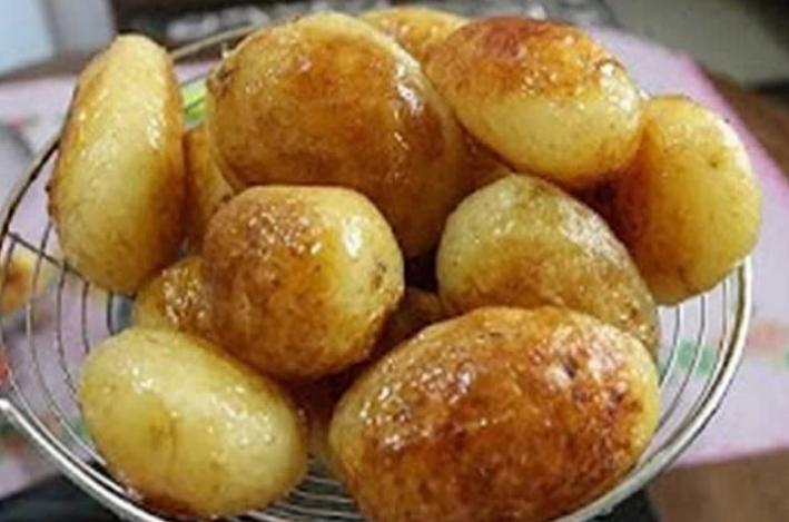 Печени компири во пиво: Идеални за вашиот неделен ручек