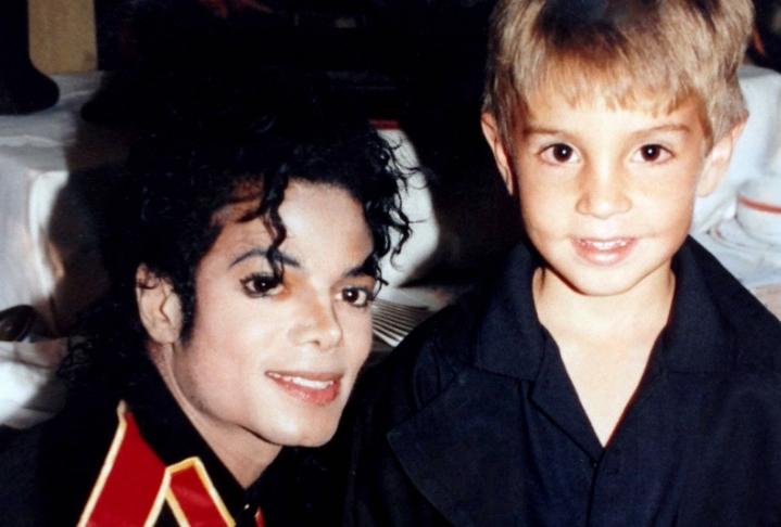 Ќе почувствувате ужас кога ќе дознаете што било пронајдено во домот на Мајкл Џексон по обвинувањата за педофилија