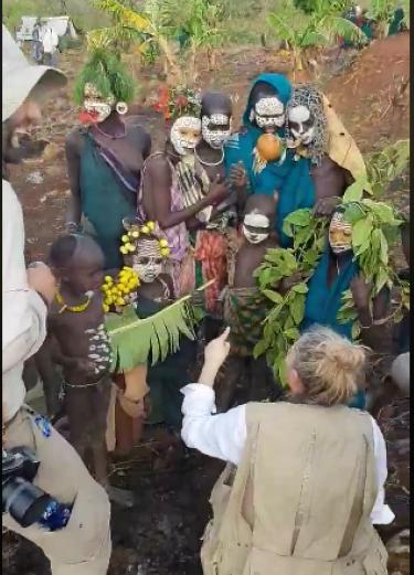 """""""Македонско девојче"""" се пее во Етиопија: Погледнете како пеат дечињата на домородните племиња во Африка на македонски јазик"""