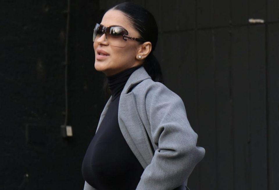 Познатата пејачка обвинета за кражба: Дуќанот во кој купувала гардероба јавно ја прозва