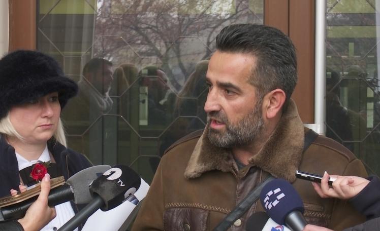 Пепиќ и Радулов: Не нè разделувајте од семејствата