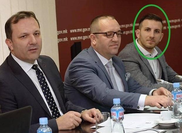 Советник на Спасовски инвестира во бензиска и користи полициски флешери на приватно возило (ФОТО)