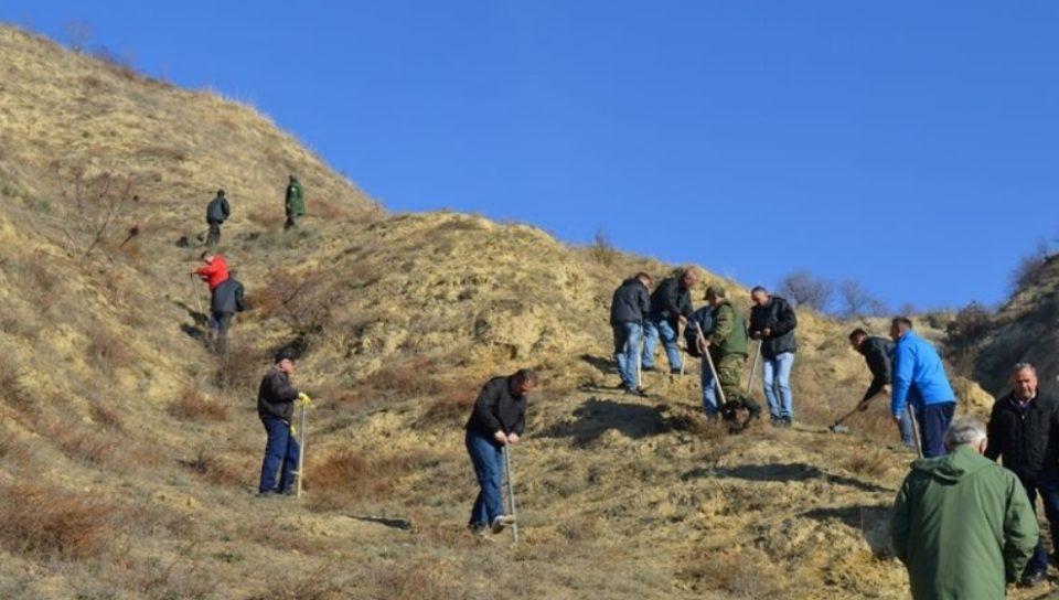 Започна првата пролетна акција за пошумување во Кавадарци