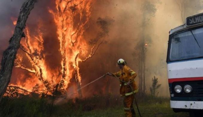 Два пожари беснеат во Црна Гора