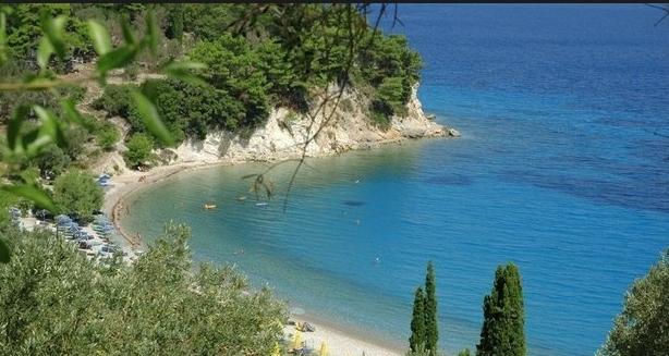 Татко и неговите мали деца загинаа во превртен чамец кај познат грчки остров