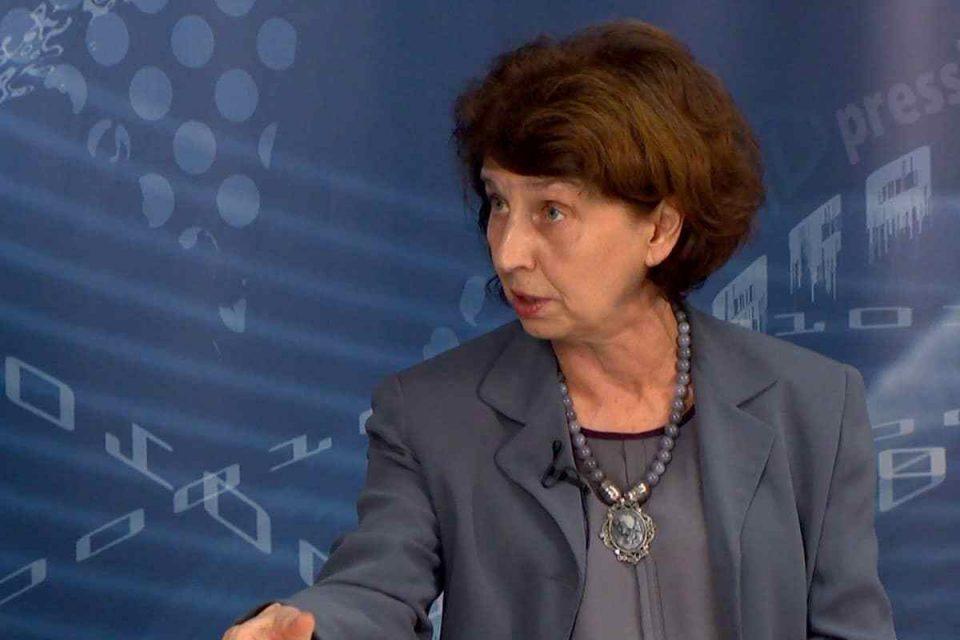 Силјановска: Ајде вие Васко сменете една буква и бидете Раско, новинарот остана без коментар