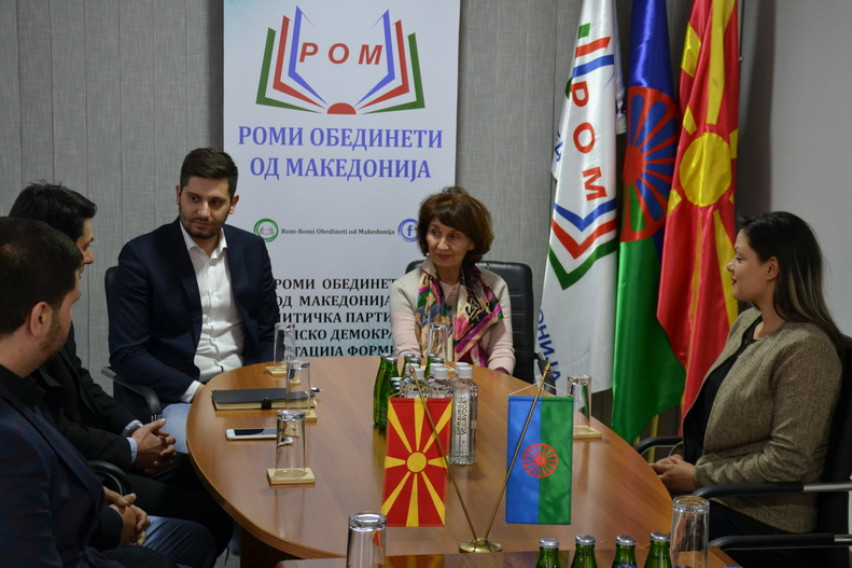 Силјановска Давкова: Ромите нема да бидат заборавени од државата