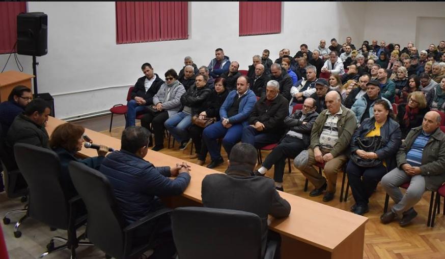 Силјановска Давкова: Демократија со предизборна кампања наспроти Хилтон кандидат