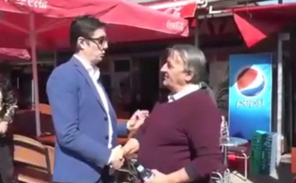 СКАНДАЛ: Пендаровски се поздравува со граѓани и ги прашува зошто се вратиле во Македонија (ВИДЕО)