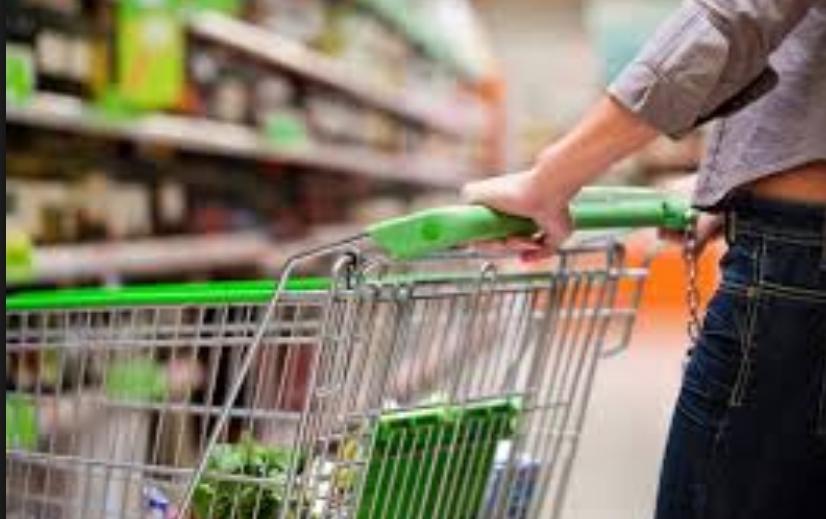Во февруари пораст на трошоците на живот за овошје, зеленчук, ИКТ опрема