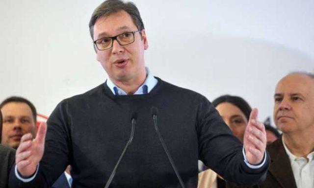 Вучиќ: Опозицијата сонува за македонско сценарио во Србија, како Боки 13 да носат торби со милиони евра и да им ги делат на обвинители