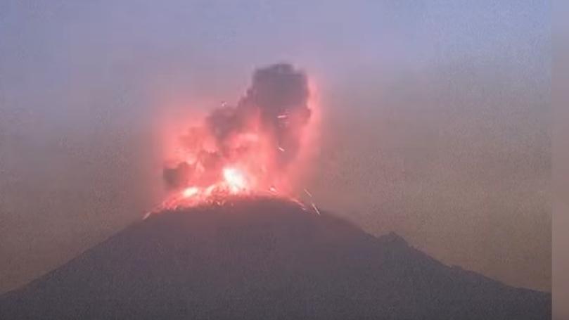 Загрозени 25 милиони луѓе: Проработе вулканот Попокатепетл (ВИДЕО)