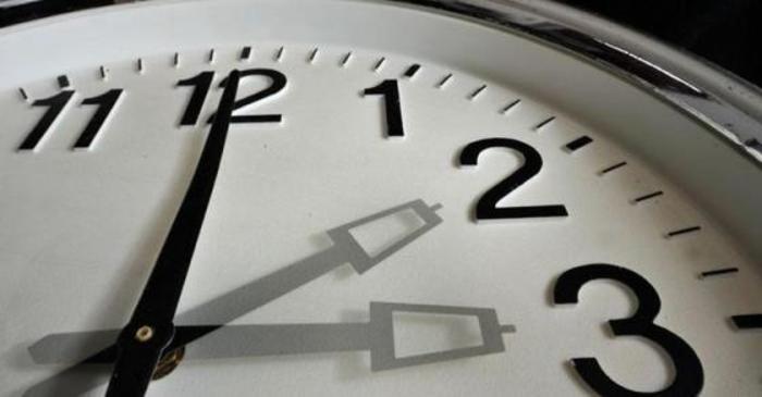 Зимско сметање на времето: Стрелките на часовникот ќе ги поместиме за еден час наназад