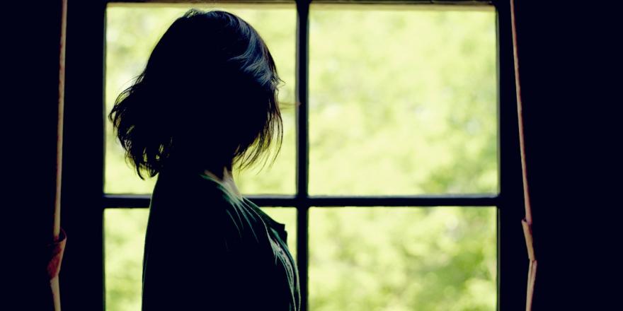 10 работи кои емоционално затворената девојка ги сака од вас…