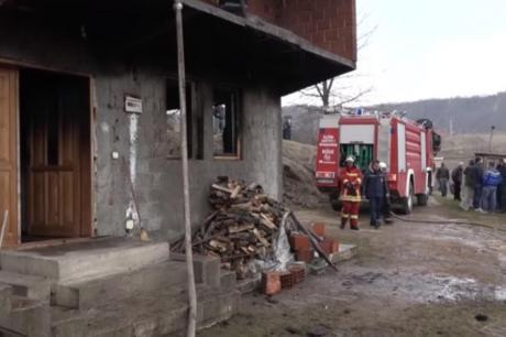 Детали за страшниот пожар: Влегла преку прозорецот ги запалила и побегнала (ВИДЕО)