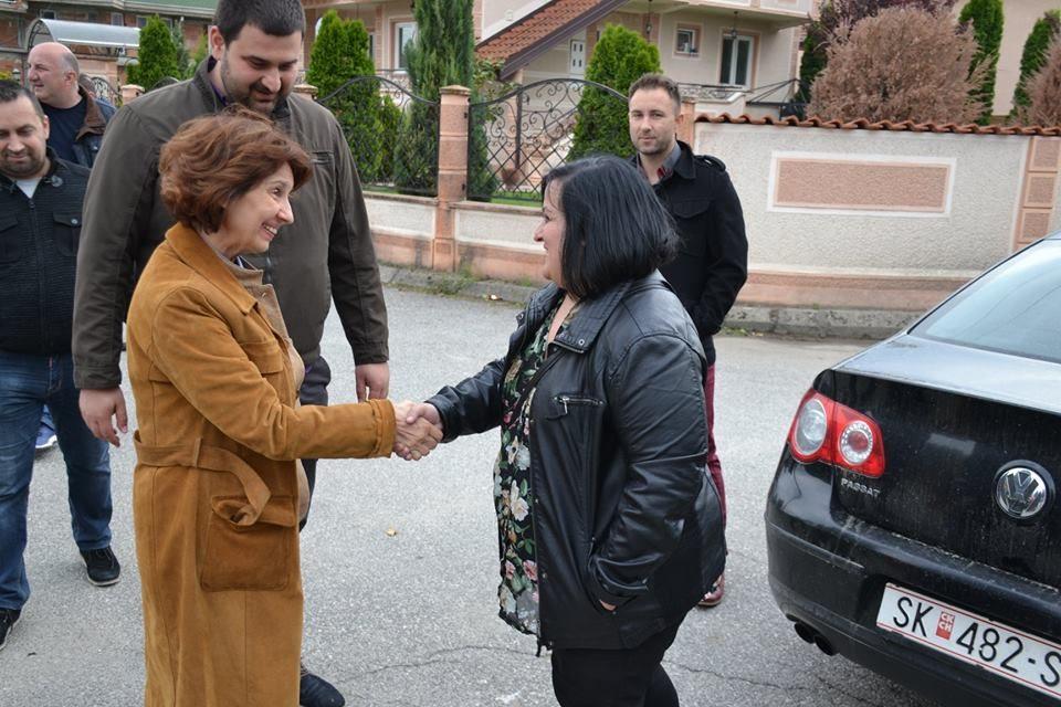 Силјановска: Кога поминувам покрај штабот на колегата ги отпоздравувам