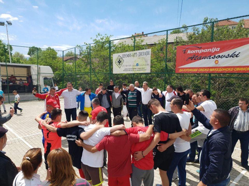 ВИДЕО: Мицкоски на народна прослава во Црешево заигра со мештаните