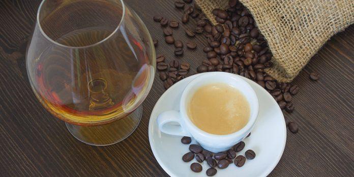 Алкохолот и кафето го продолжуваат животот?!