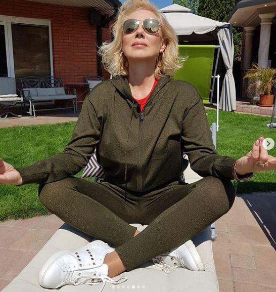 Ужива во својот луксуз- Брена ненамерно откри што поседува во нејзиниот двор, а фановите со препорака за употреба (ФОТО)