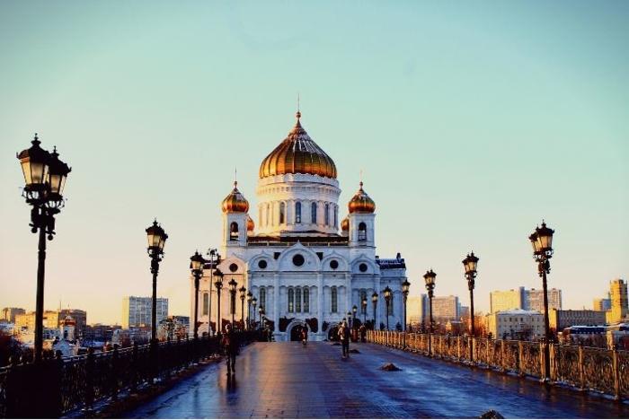 Пожар кај црквата Христос Спасителот во Москва