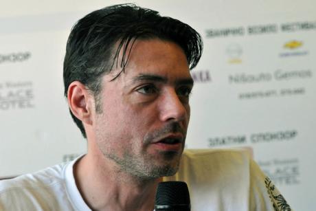 Српскиот актер кој почина вчера боледувал од оваа болест- ова се симптомите