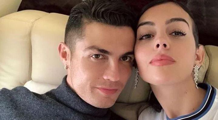 Како да е падната од друга планета: Еве што споделува девојката на Роналдо на Инстаграм додека светот се мајтапи со фудбалерот (ФОТО)