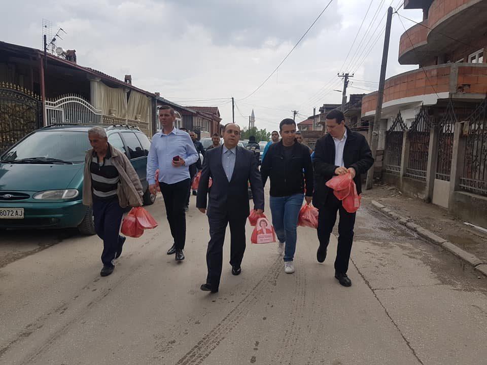 Ѓорчев со претставници на Демократските сили на Ромите во посета на Шуто Оризари (ФОТО)