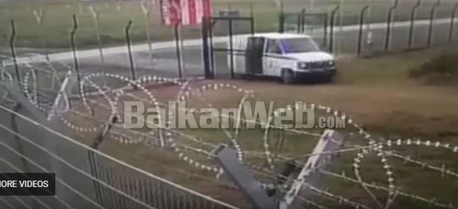 Пукање, фрлање гранати, убиство на еден од крадците: Видео од грабежот на 10 милиони евра од аеродромот во Тирана