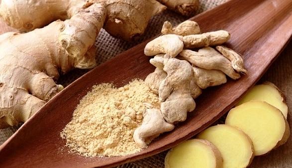 РЕЦЕПТИ: Безброј придобивки од ѓумбирот, подгответе си здравје во чинија и чаша