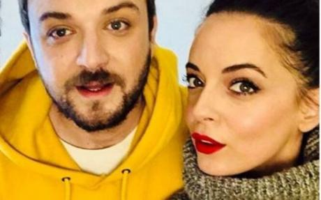 """ФОТО: Сања Николиќ без грам шминка во домашна атмосфера- """"Си ги носам моите пеги"""""""