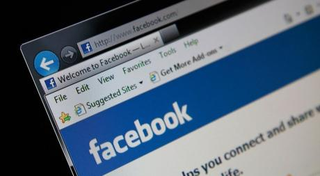 Фејсбук отстранил 212 лажни профили од Косово и Македонија минатиот месец
