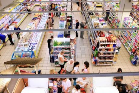 Нови мерки во Црна Гора: Ковид пропусници за мега и хипермаркети