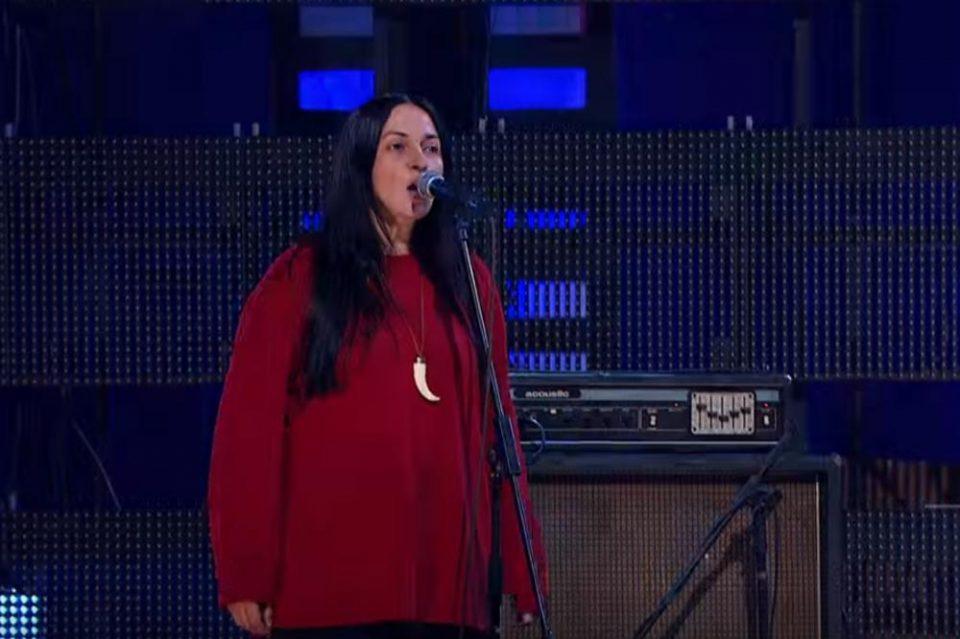 """""""Нè напушти нашата најубава"""": Почина пејачката која беше ѕвезда во Југославија, замина прерано"""
