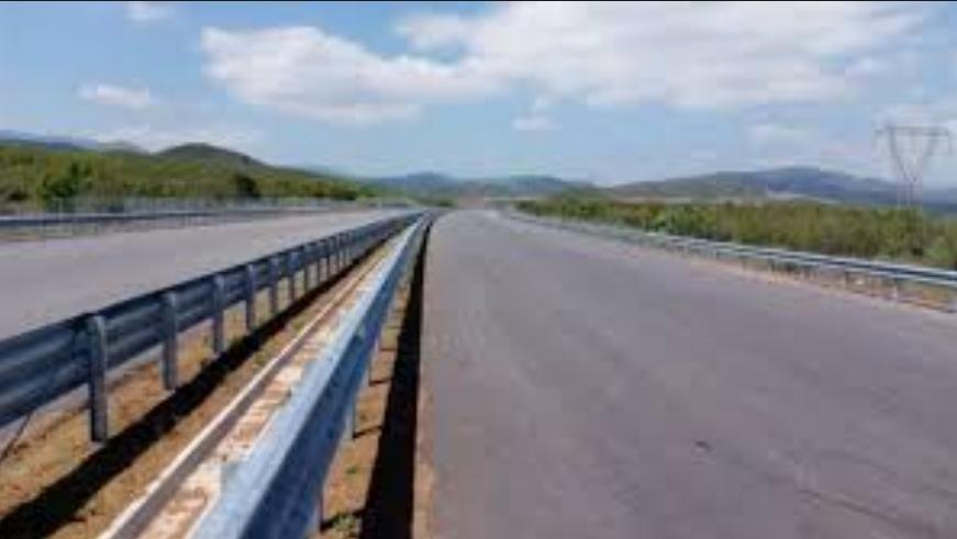 Изменет сообраќаен режим на делницата Миладиновци-Куманово