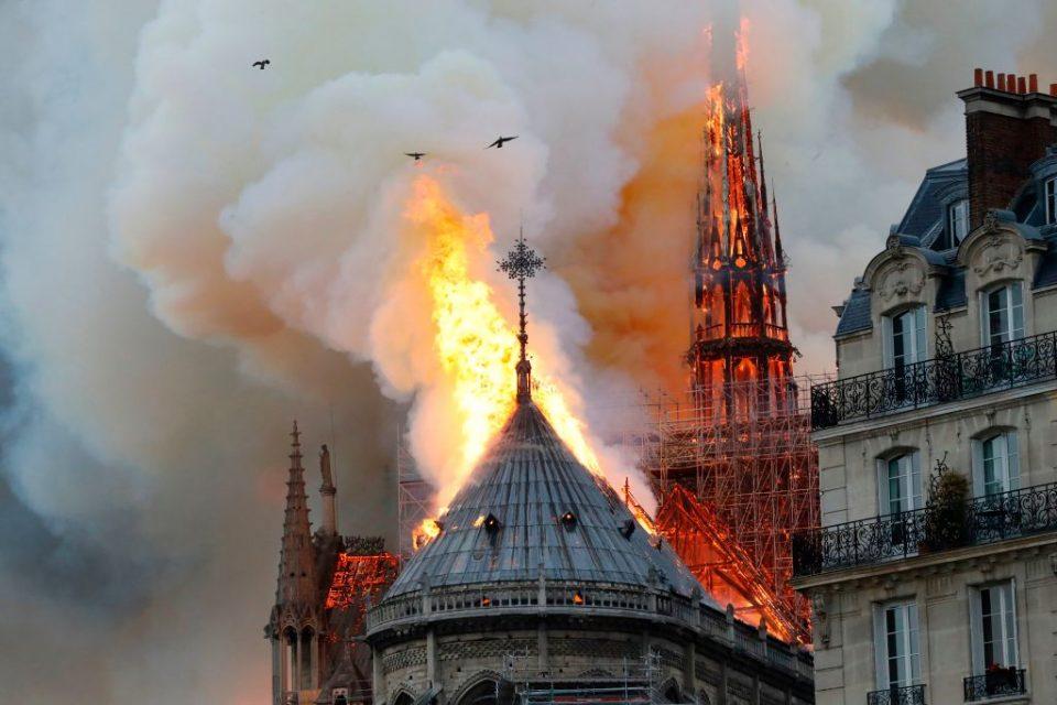 НОВИ ДЕТАЛИ: Ова се двете можни причини за пожарот во Нотр Дам