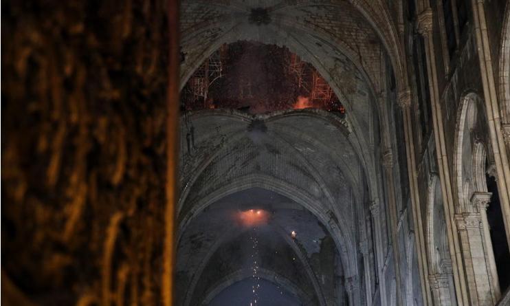 Нови информации за Нотр Дам: Откриено од каде потекнал пожарот, истражувачите имаат големи проблеми