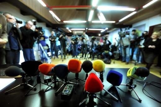 Во Москва приведени новинари кои протестираа поради апсењето на Софронов