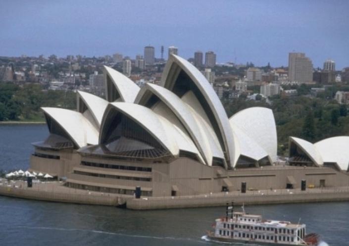 Евакуирана познатата опера во Сиднеј