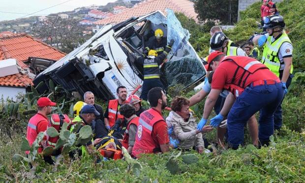 Во сообраќајна несреќа загинаа 29 германски туристи, а 27 лица се повредени