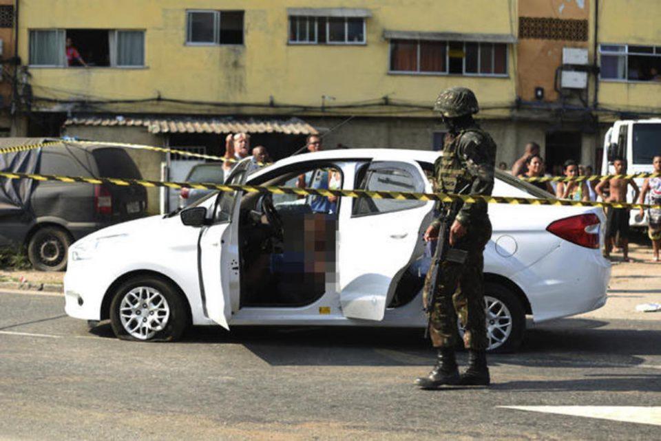 По грешка убиле невин човек: Војската го изрешетала автомобилот со 80 куршуми, а во него биле и неговата сопруга и ќерка