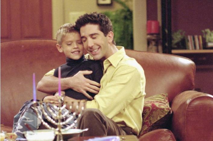 """Беше синот на Рос во """"Пријатели"""", денес е млад заводник и успешен актер (ФОТО)"""