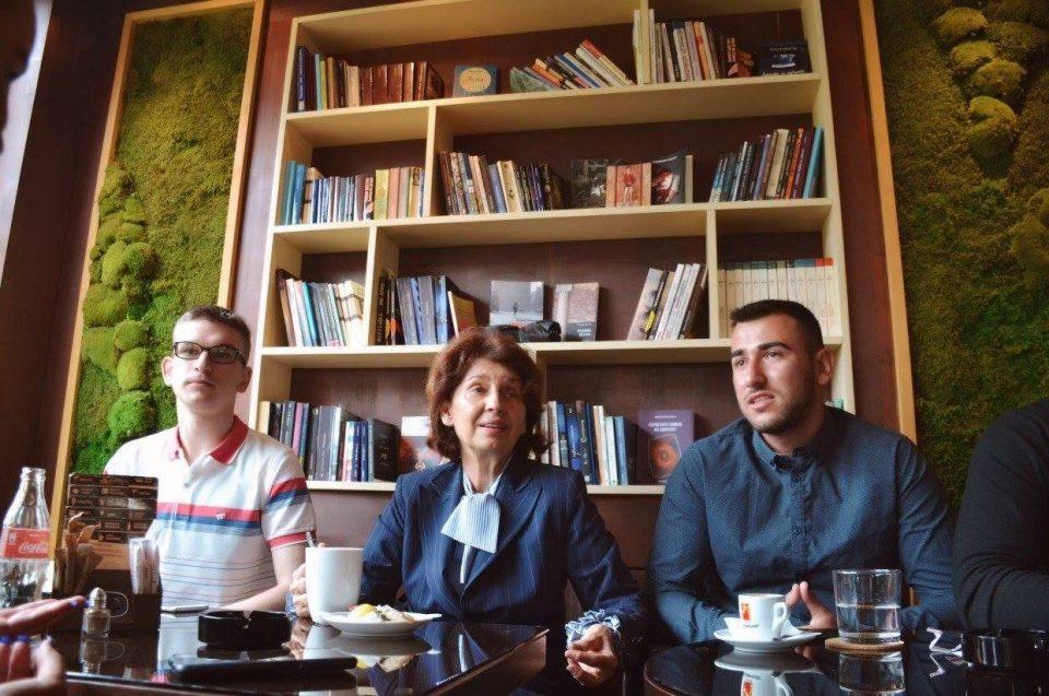 Силјановска: На младите им должиме европска иднина која власта нема капацитет да им ја овозможи!