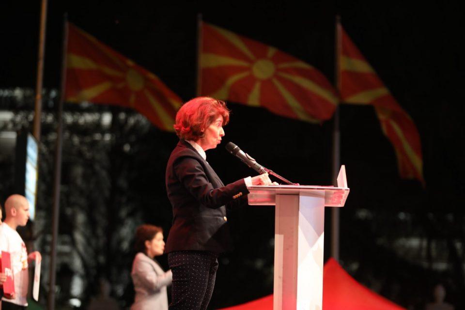 Силјановска со порака до Река: Искрено жалам што не влезе во втор круг